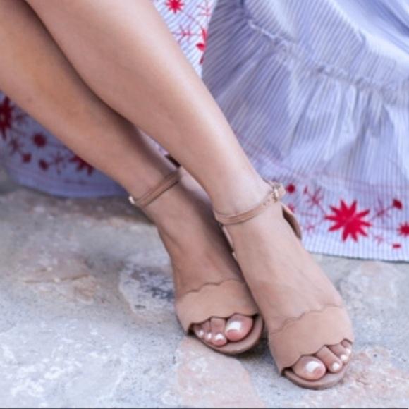 5681e3e2a0d Sam Edelman inara scalloped block heels. M 5a9a33f900450faf3913e1fc